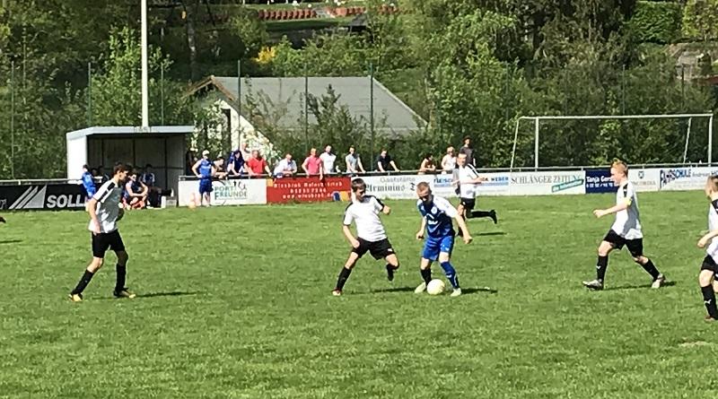 C-Jugend: 7:2 Derbysieg und weiter an der Spitze