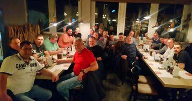 Fortunas Alte Herren genießen Bowlingnachmittag